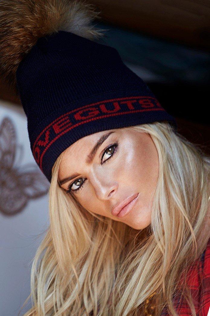 GUTS & LOVE SNOW POMPOM HAT