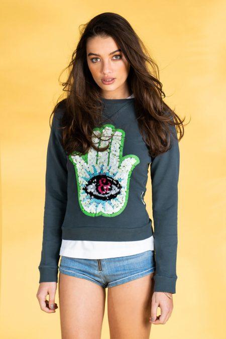 Guts and love. Sudadera Fatima sweatshirt de la colección primavera verano 2020 Underneath the star