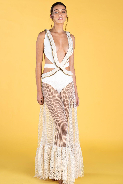 Guts and love. Vestido largo Net of dreams de la colección primavera verano 2020 Underneath the star