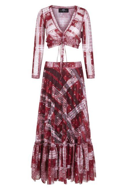 Guts and love. Silueta del conjunto de top más falda  Shape of you de la colección primavera verano 2020 Underneath the star