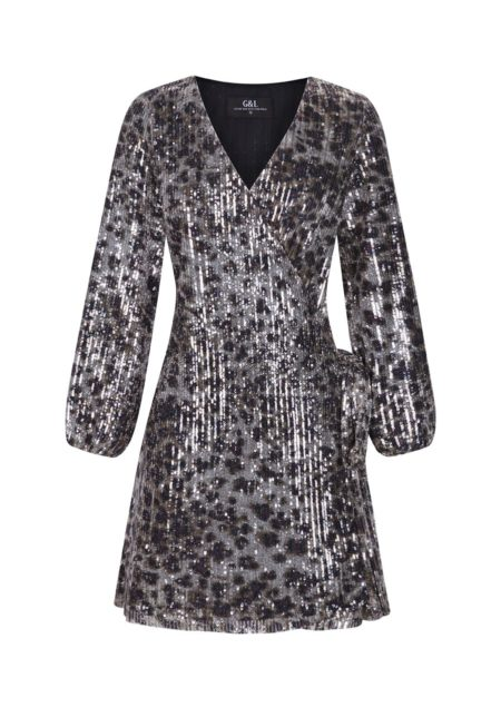 Guts and love. Silueta del vestido con estampado de leopardo Leopard encounter de la colección primavera verano 2020 Underneath the star