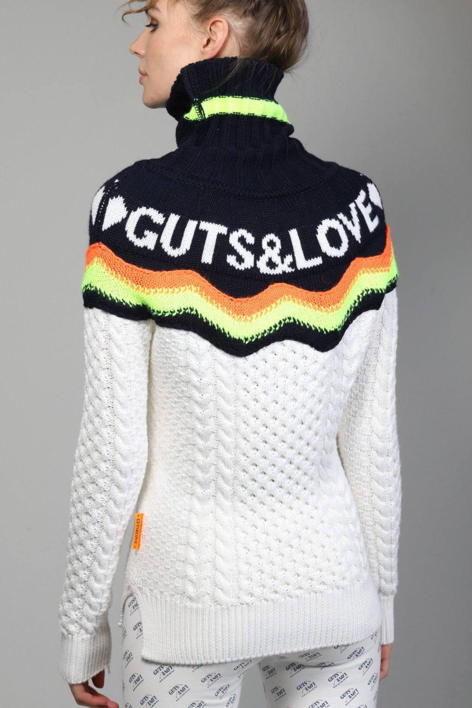 G&L COLLAR SWEATER